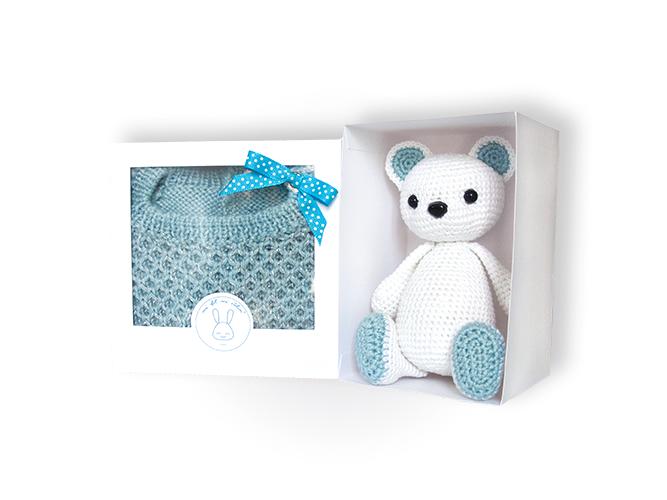 Cadeau personnalisé : pull et nounours assorti dans leurs boites cadeaux